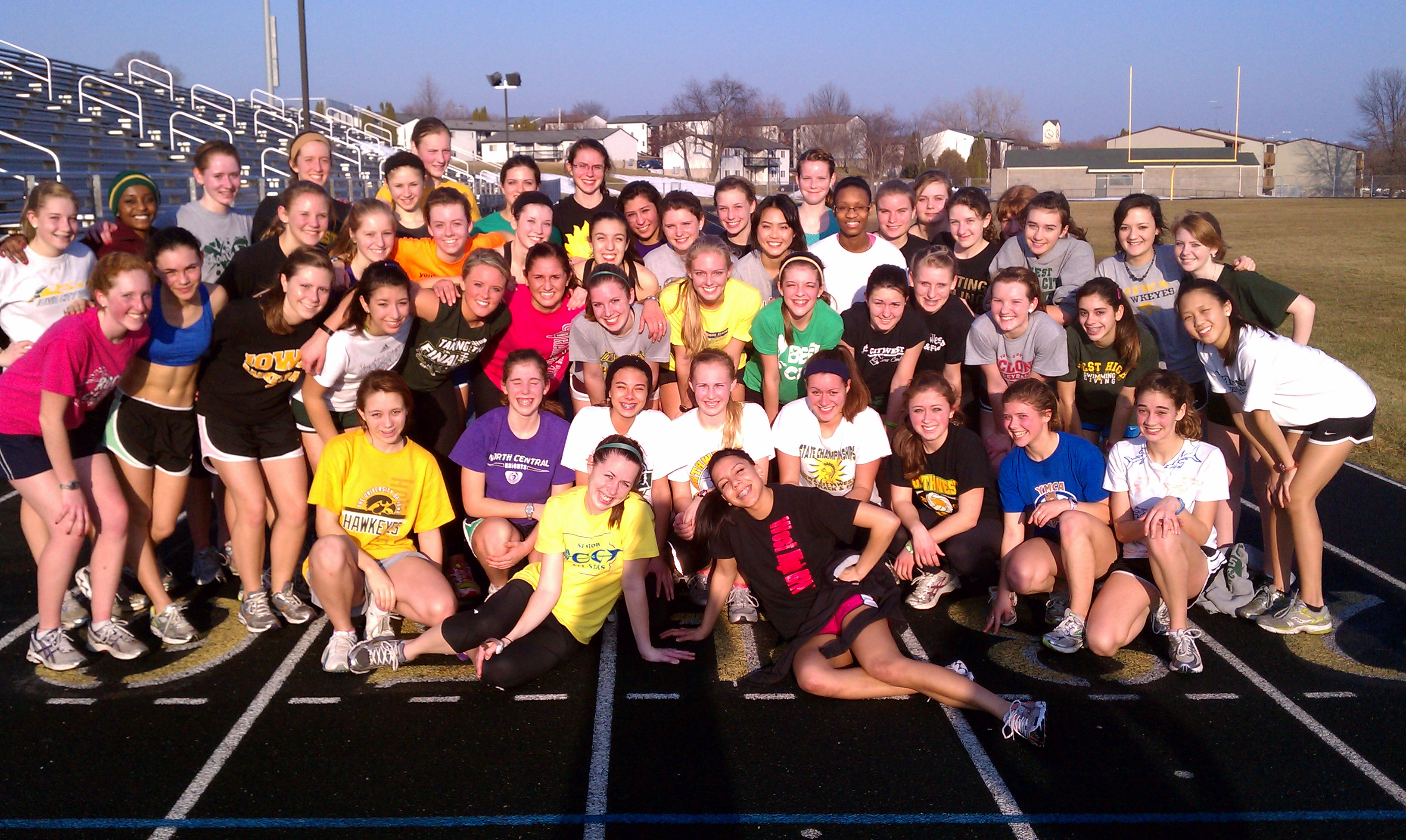 2011trackpracticegroup.jpg